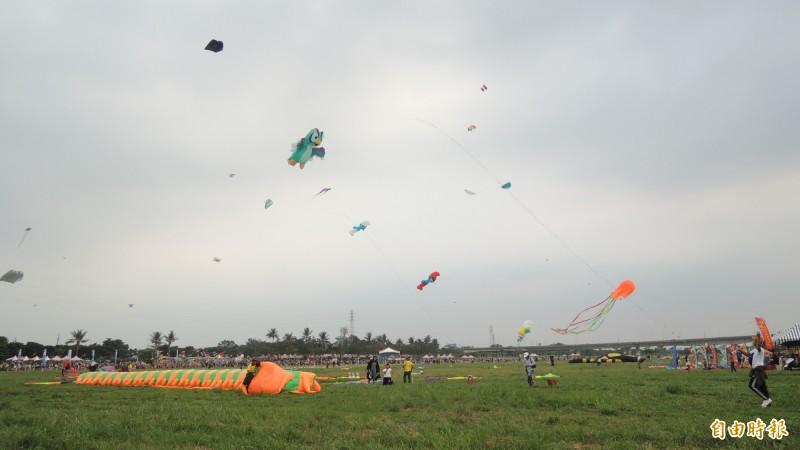 屏東河濱公園在9月24日國慶焰火試放時不開放。(資料照,記者羅欣貞攝)