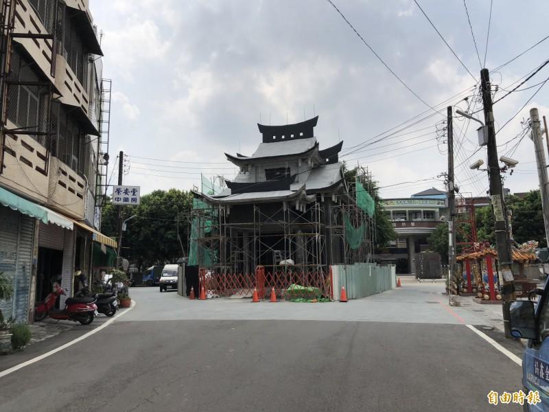 重修的潮州福安宮接近完工。(記者羅欣貞攝)