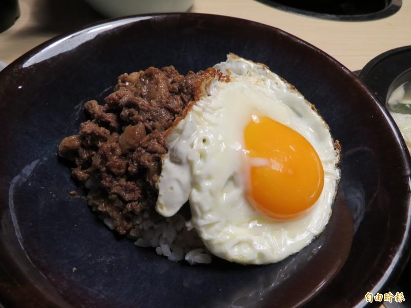 牛肉哨子飯(記者陳心瑜攝)