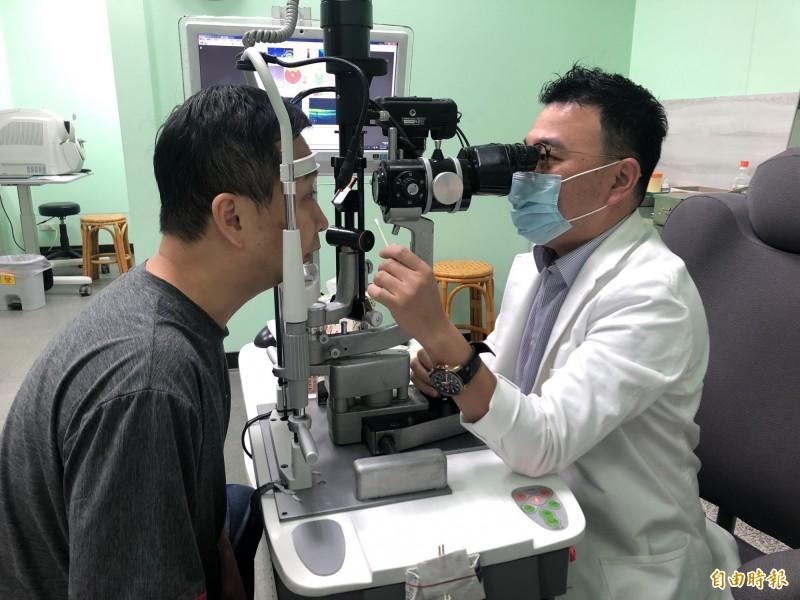 空污嚴重,不少民眾反應眼睛癢,就醫眼科檢查有增多趨勢。(記者陳冠備攝)