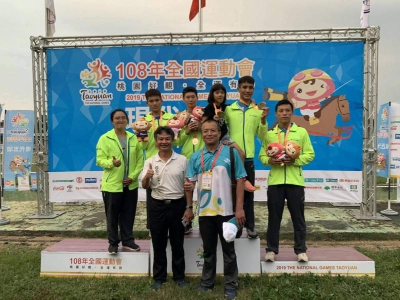 108年全國運動會台南市代表隊在現代五項賽事告捷,男子組團體奪冠。(記者王涵平翻攝)