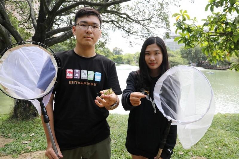 玩昆蟲玩到上國立大學!興大特殊選才錄取「螳螂哥哥」與「蝴蝶姊姊」。(圖:興大提供)