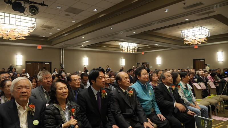 前行政院長賴清德(中)參加小英後援會美國北加州造勢大會。(台僑提供)