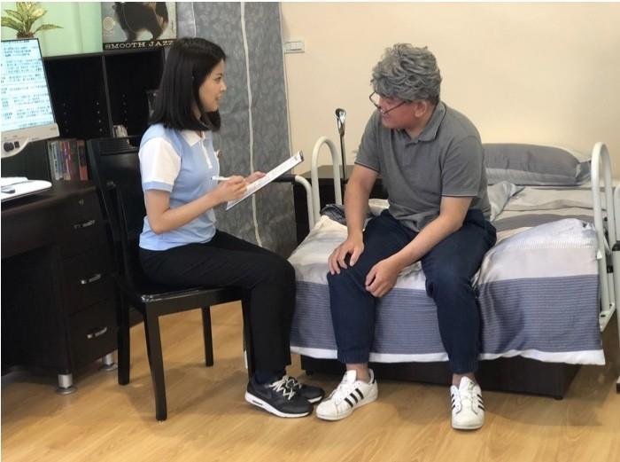 長照社會來臨,國立台北護理健康大學建置「高齡精準照護人才培育基地」,首創高齡精準照護教育「課證合一」新模式。(北護大提供)