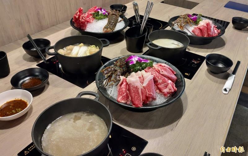 天圓地方職人鍋物提供多種湯底及點餐方式。(記者張菁雅攝)