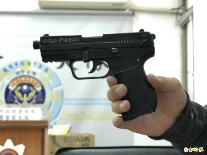 高雄一男子大腿中彈送醫稱柴山受傷,警方追出在楠梓玩槍走火。(示意圖,記者黃良傑攝)