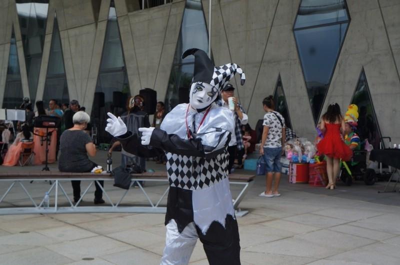 街頭藝人標章認證活動23日在大東文化藝術中心登場。(記者黃佳琳翻攝)