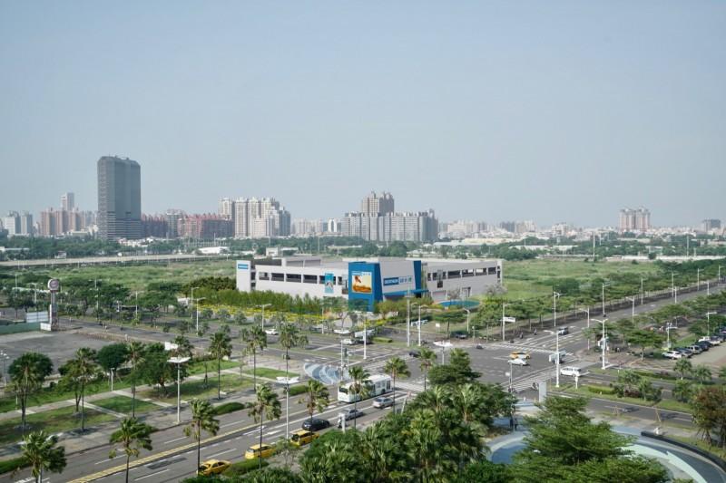 「迪卡儂」南台灣首座旗艦店的位置模擬圖。(高雄市都發局提供)