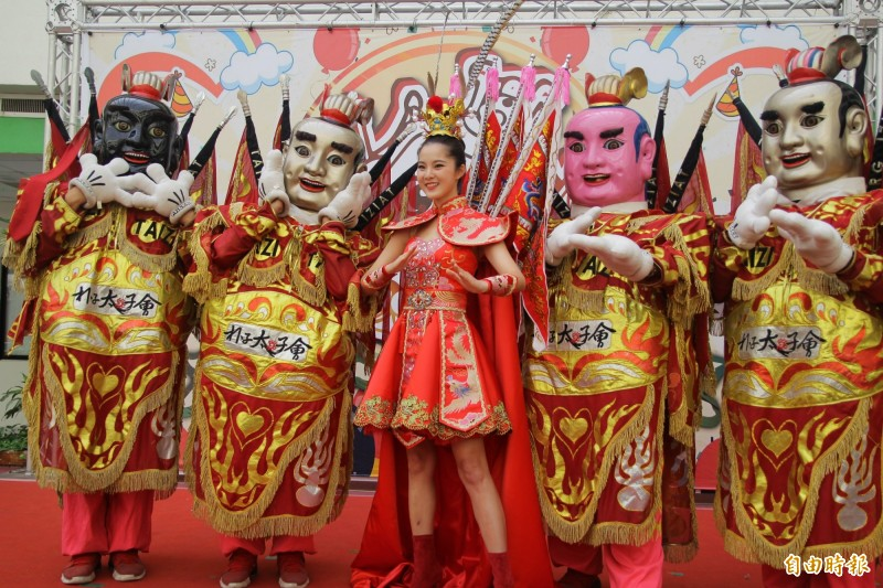 國際小姐選美台灣代表邱怡澍,為第十屆太子文化季代言。(記者蔡宗勳攝)