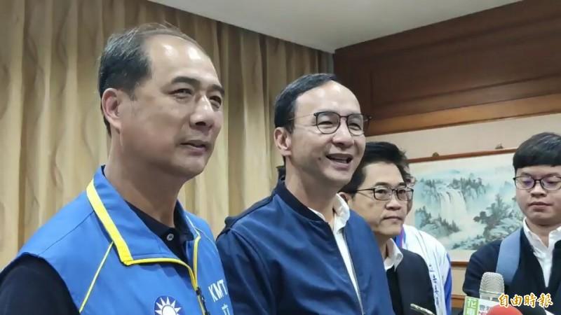 朱立倫抵東輔選,痛批網路暗黑的力量是台灣民主之恥。(記者陳賢義攝)