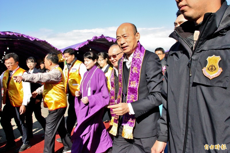 韓國瑜出席苗栗龍華聖會。(記者許麗娟攝)