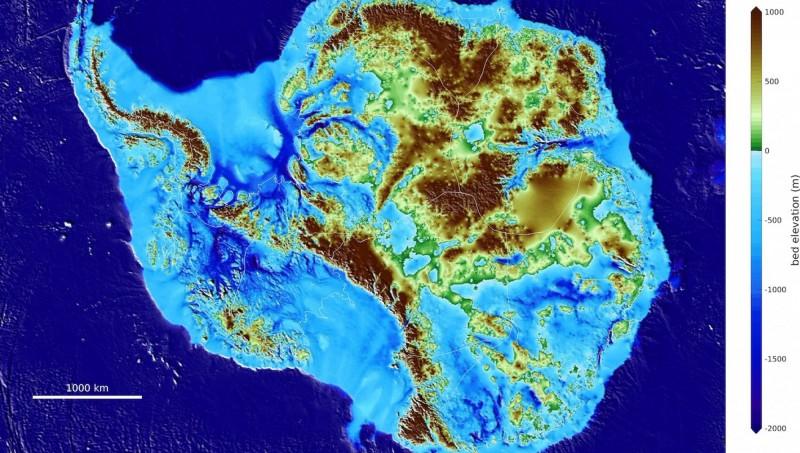以莫里格姆為首的冰川學家們,繪製出南極洲地圖「BedMachine Antarctica」(歐新社,英國南極勘測提供)