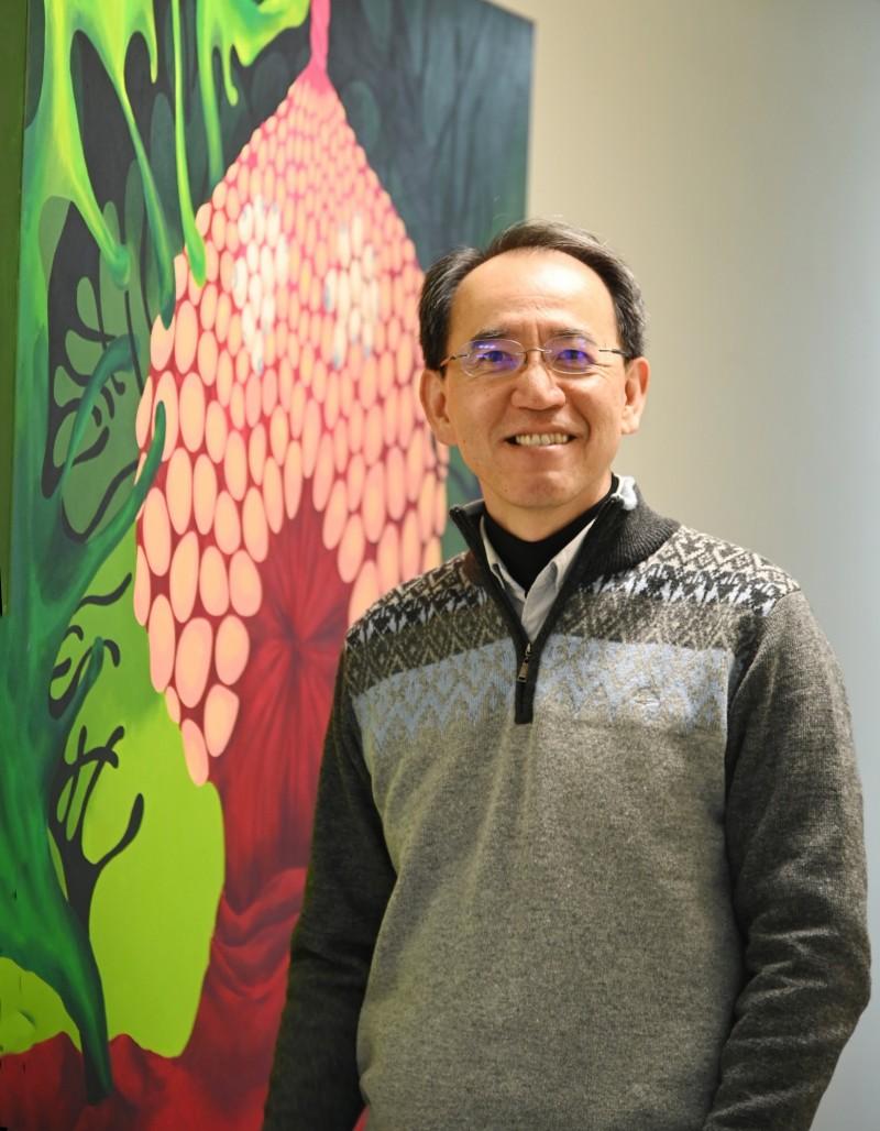 清華大學招策中心主任焦傳金表示,引導式自傳的題目讓不同背景的考生都能有所發揮。(清華大學提供)