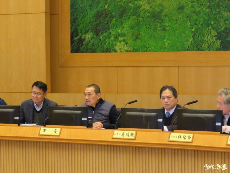 新北市長侯友宜今天早上主持市政會議。(記者陳心瑜攝)