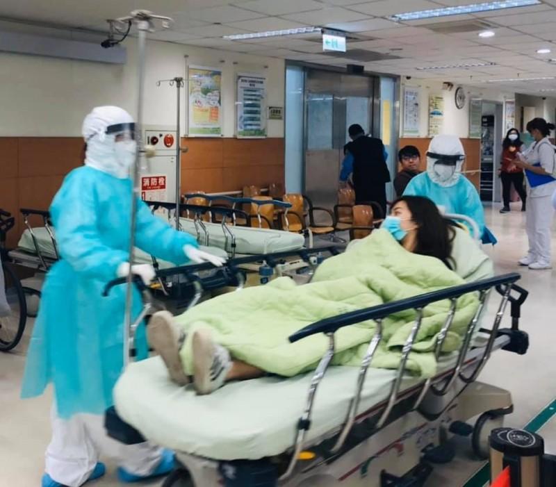 防武漢肺炎,台中醫院今進行防疫演練。(圖:台中醫院提供)