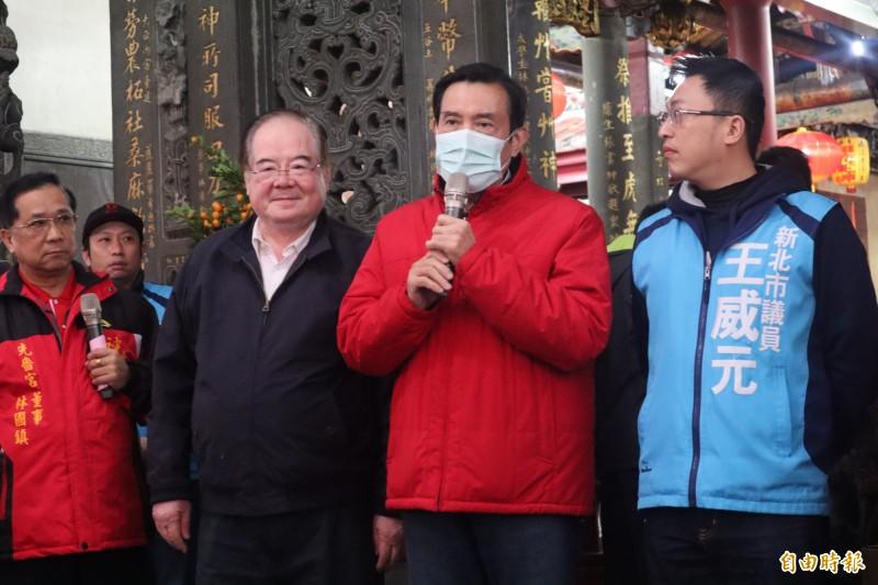 馬英九表示,應該在台灣供應無虞的情況下再出口口罩。(記者周湘芸攝)