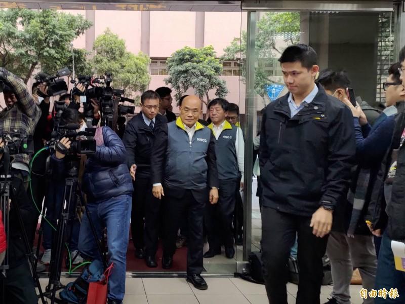 行政院長蘇貞昌受訪時表示,不必對辱罵一事一般見識。(記者吳亮儀攝)