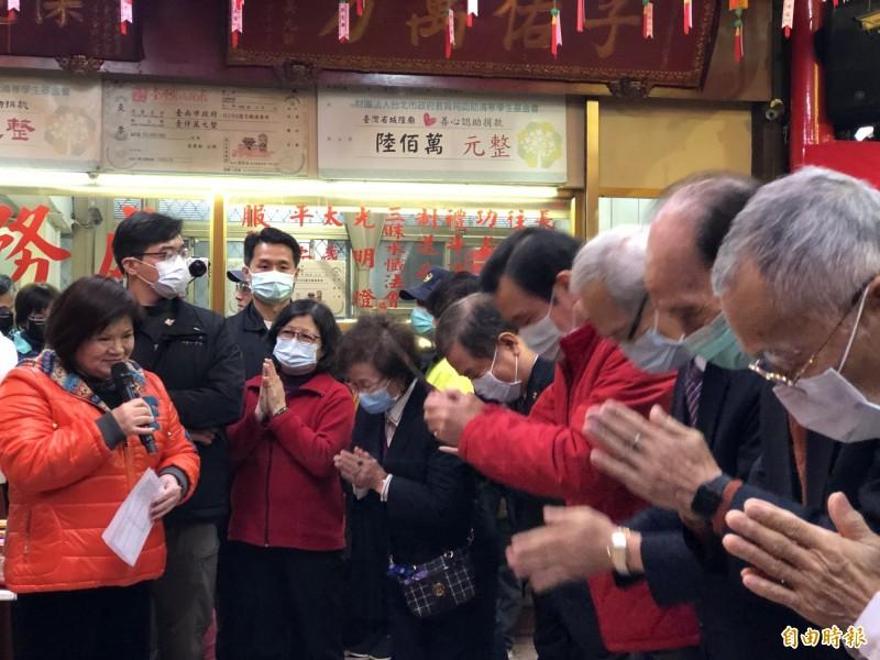 前總統馬英九到台灣省城隍廟參拜。(記者陳昀攝)