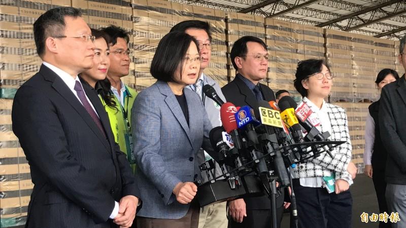 總統蔡英文今針對菲律賓對台實施禁令強調,若是政治考量,呼籲菲律賓政府三思,台灣也不能容忍。(記者萬于甄攝)