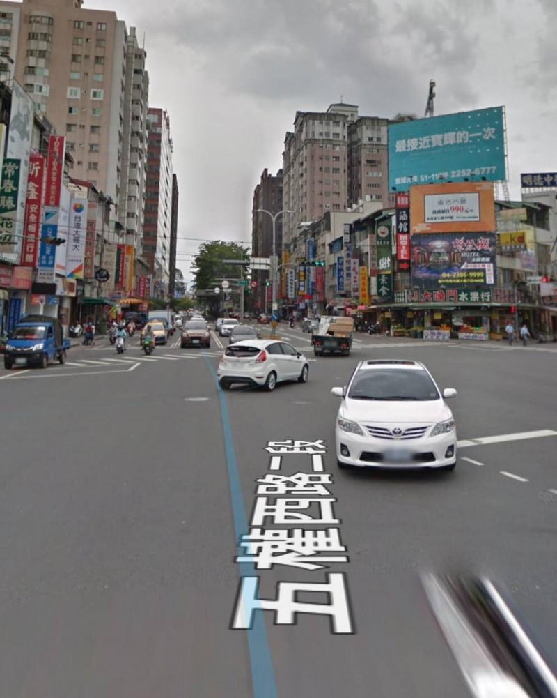 發生街頭搶案的路口。(擷圖自GoogleMap)
