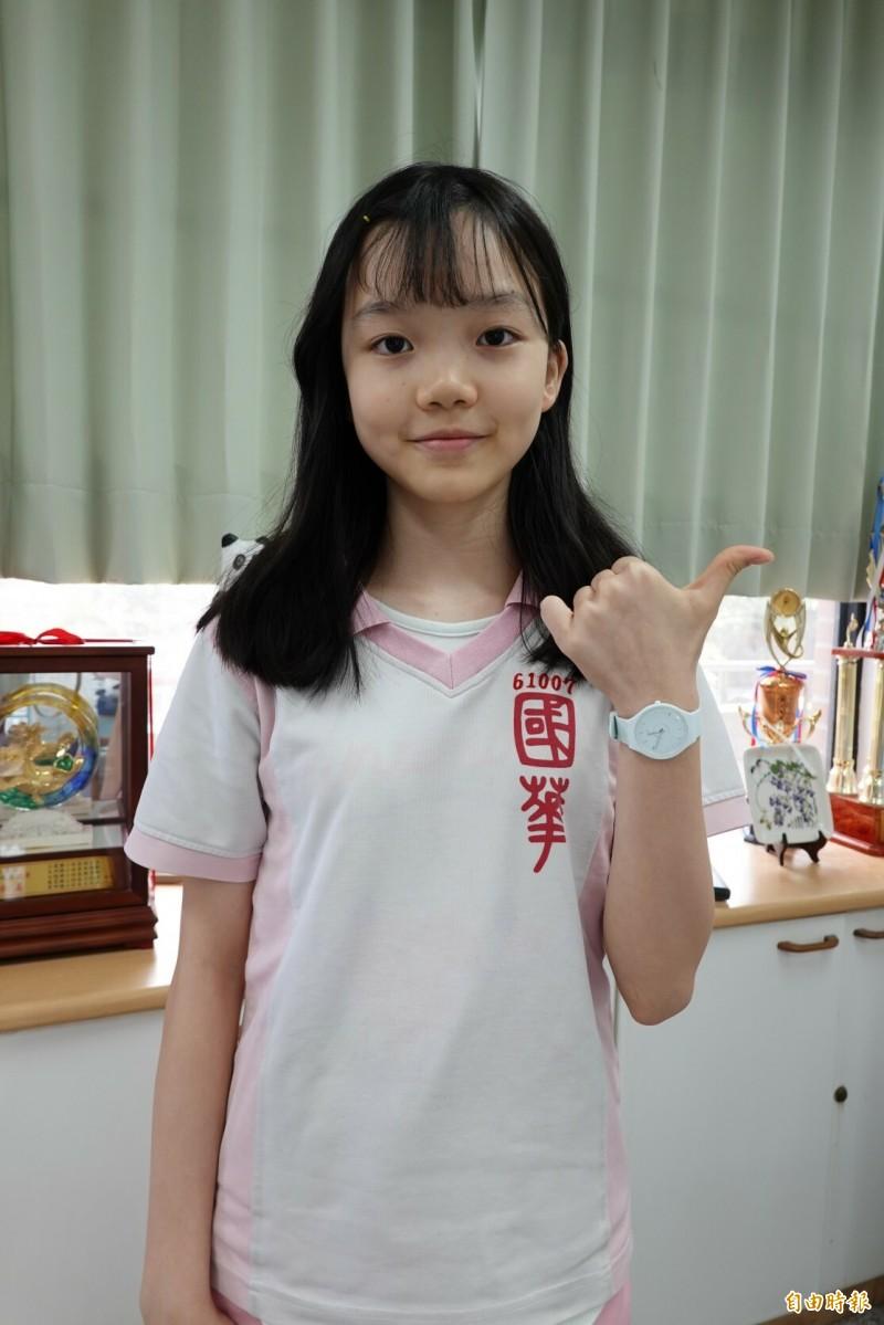 宜蘭縣國華國中學生張詠欣,是今年國中教育會考全縣唯一滿分的考生。(記者江志雄攝)