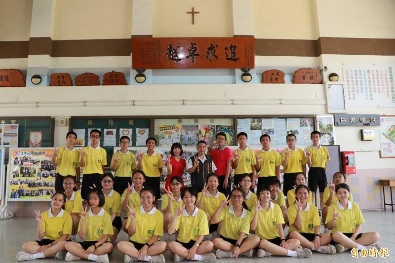 南榮國中共有25人寫作滿級分。(記者陳彥廷攝)