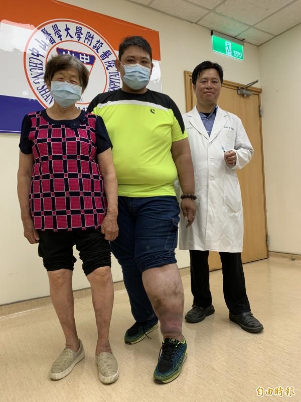 林先生與蔣呂奶奶接受林子鈞醫師的泡沫注射治療後,大幅改善。(記者蔡淑媛攝)