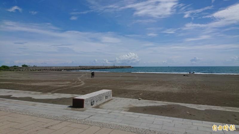 安平觀夕平台是觀賞國慶煙火「第1排」區位,也是主舞台布置場域。(記者洪瑞琴攝)