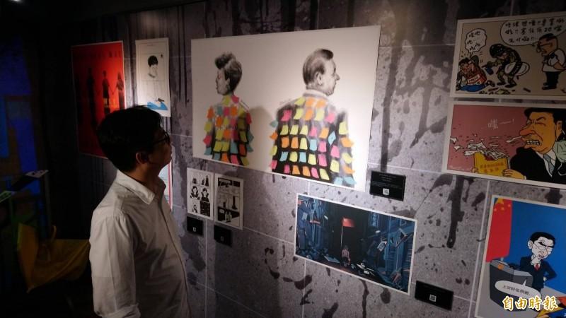 民進黨高雄市長補選候選人陳其邁今日出席「反抗的畫筆—香港反送中運動週年圖像展」受訪表示,希望未來高雄市政府與中央一起合作,全力援助香港人民。(記者陳鈺馥攝)