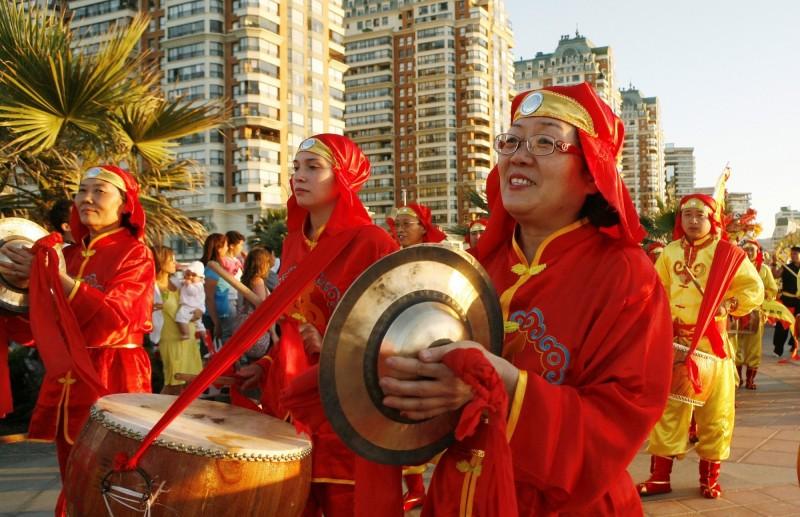 智利比納薩瑪(Vina del Mar)市的孔子學院,多年前在農曆新年期間舉辦活動。(路透檔案照)