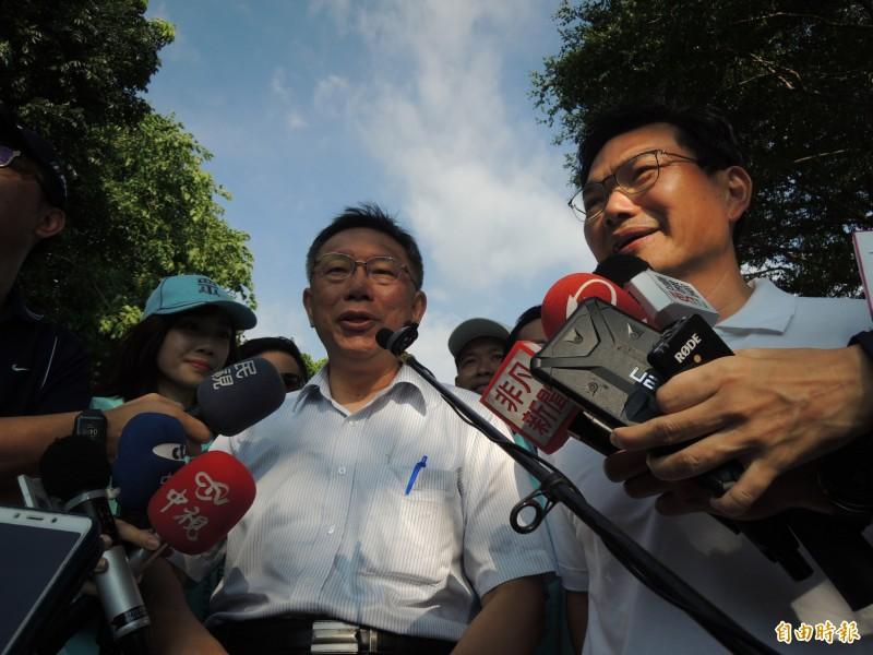 台灣民眾黨黨員大會報名情況不佳,柯文哲今說,只能訴諸拜託,叫不出來就死了。(記者王榮祥攝)