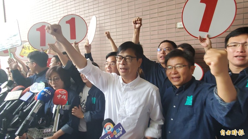 高雄市長補選抽籤,陳其邁抽中1號,要做「第一名市長」。(記者陳文嬋攝)