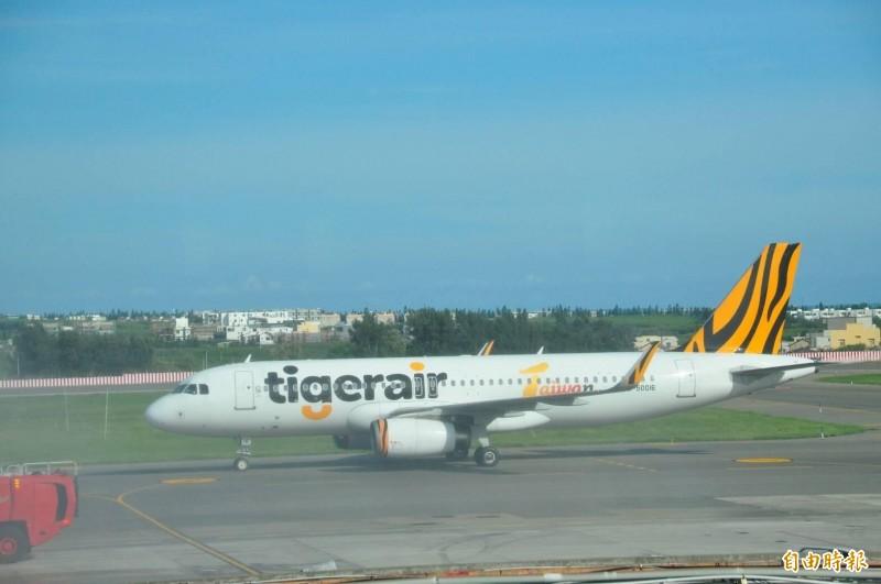 航空公司放大機型飛航澎湖,連虎航也加入,讓澎湖機場運能屢創新高。(記者劉禹慶攝)