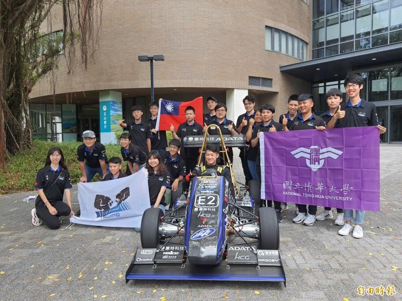 清華大學今天發表第三代的電動賽車,時速從0到100公里,只要2.7秒,直逼特斯拉等級。也將參與明年的國際賽事。(記者洪美秀攝)