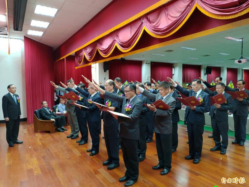 矯正署新任高階主管包括副署長蔡永生、副署長許金標等4人,以及21位矯正機關首長宣誓就職。(記者鄭淑婷攝)