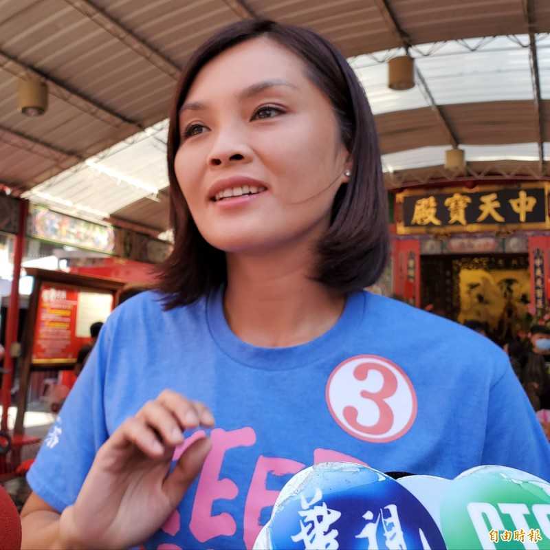 對手陳其邁登815高雄挺香港廣告,李眉蓁反酸有用嗎?應趕快修訂難民法,降低移民門檻,這才是最重要的事情。(記者陳文嬋攝)