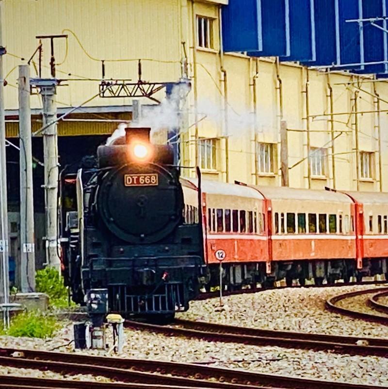 台鐵蒸氣火車國王DT668將重出江湖,明日動態行駛中壢-富岡區間。(圖:台鐵局提供)