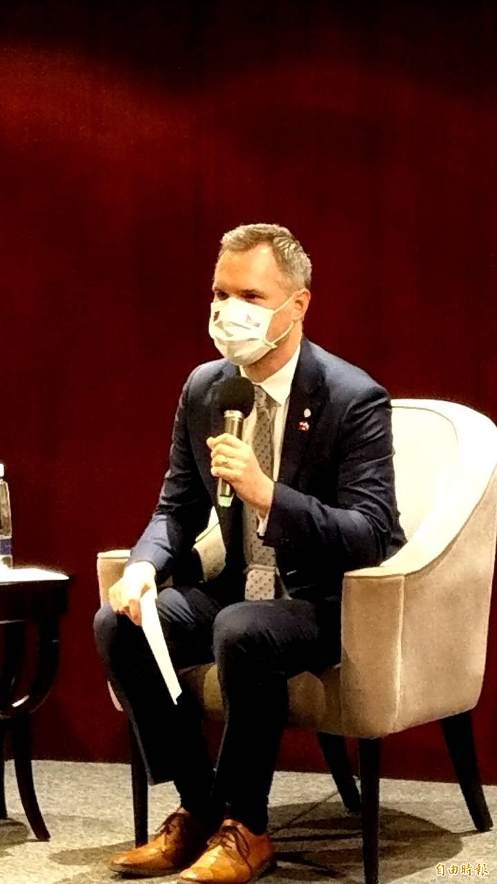 捷克布拉格市長賀吉普今舉行記者會時強調,他本人曾獲頒台北市榮譽市民,因此要說自己是台北市民「不僅是宣言,也是事實」。(記者彭琬馨攝)