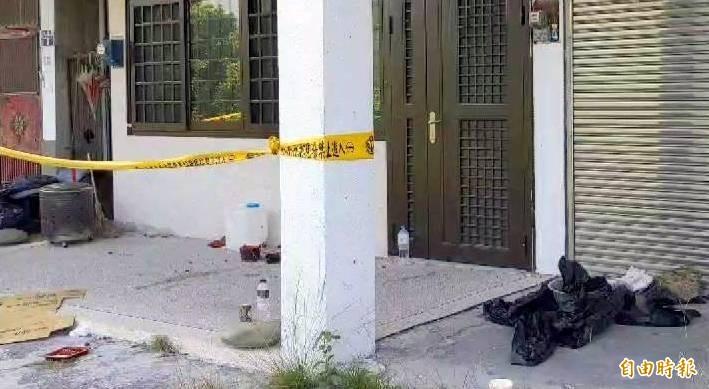 南投縣水里鄉發生1死1傷命案的空屋現場一片髒亂。(記者謝介裕攝)