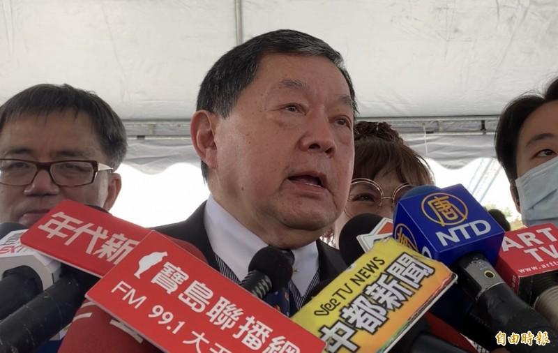 徐旭東表示政治獻金是依法公告。(記者蔡淑媛攝)