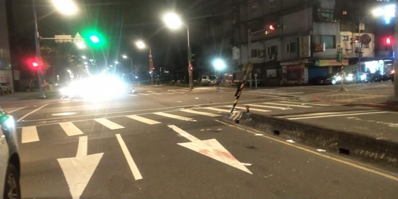 台北市南港區市民大道7段發生機車撞電動滑板車死亡車禍,圖為肇事路口。(記者姚岳宏翻攝)