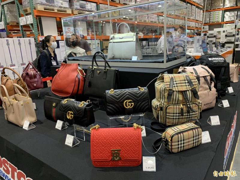 好市多北台中店即將在11月20開幕,近60萬名牌精品凱莉包獨家開賣。(記者蔡淑媛攝)