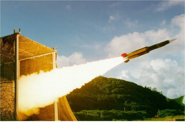 雄三飛彈發射示意圖。(圖片截取自「國家中山科學研究院」)