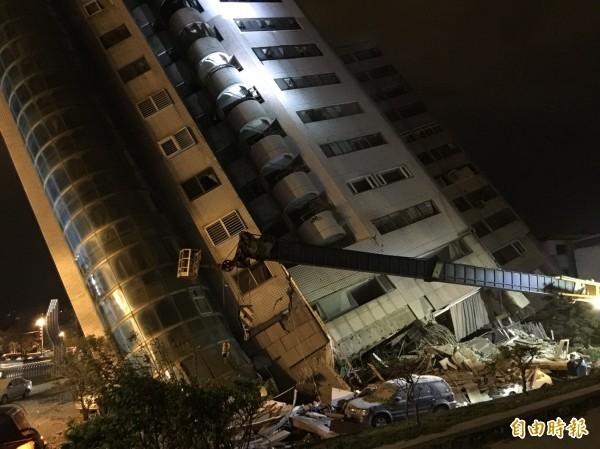 地震專家指出,昨晚的強震可能與米崙斷層錯動有關。(記者王峻祺攝)