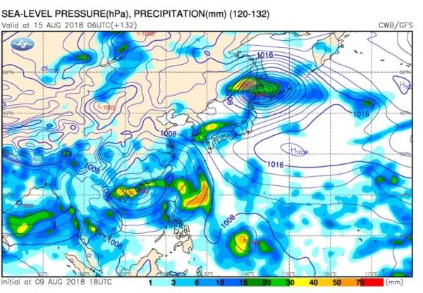 據全球預報系統(GFS)模擬顯示,下週恐有熱帶系統接近,同時伴隨西南氣流。 (圖擷取自中央氣象局)