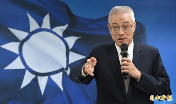 國民黨主席吳敦義被外界批評「白賊義」,律師解釋這個稱號的由來。(資料照,本報合成)