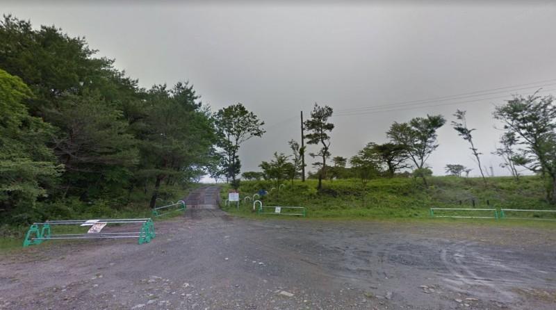 日本福島縣磐城市三和町水石山公園停車場,今(22日)傳出有4人陳屍車內。(圖擷自Google街景)