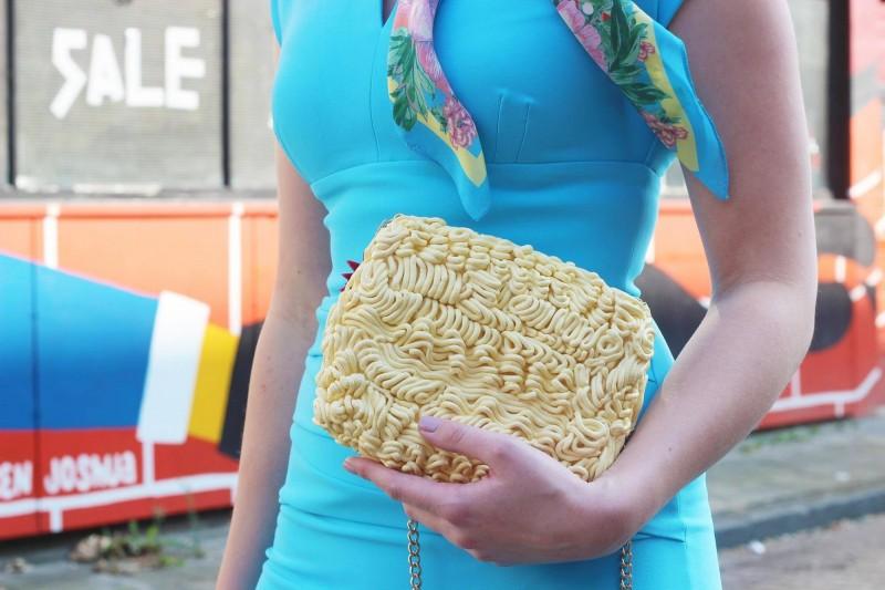 荷蘭27歲女設計師設計的泡麵包相當搶眼。(圖擷取自rommydebommy)