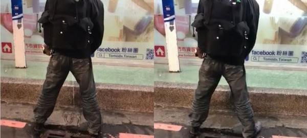 西門町1名尿尿怪客惹議,網友都說他好噁心。(圖擷取自爆料公社)