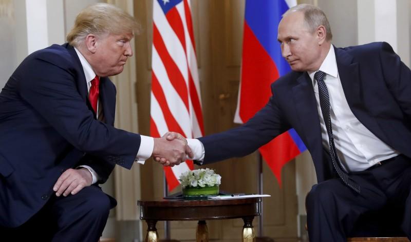美俄領導人將在G20峰會期間舉辦個別會議。圖為去年7月16日,川普和普廷在芬蘭赫爾辛基舉行高峰會。(美聯社)